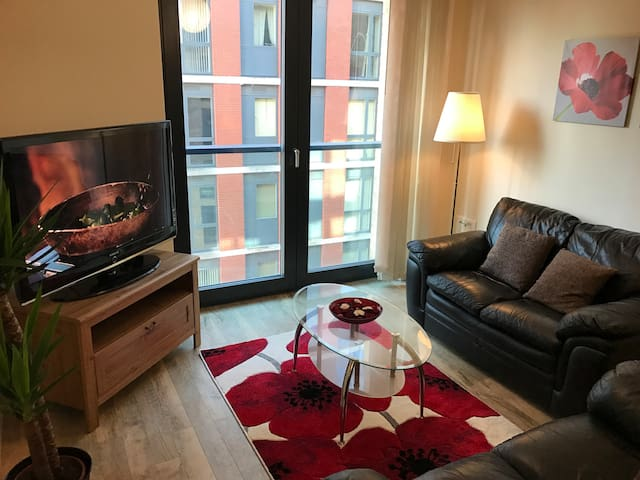 2 Bed & 2 Bath City Apt By Train Station & Parking - Birmingham - Apartemen