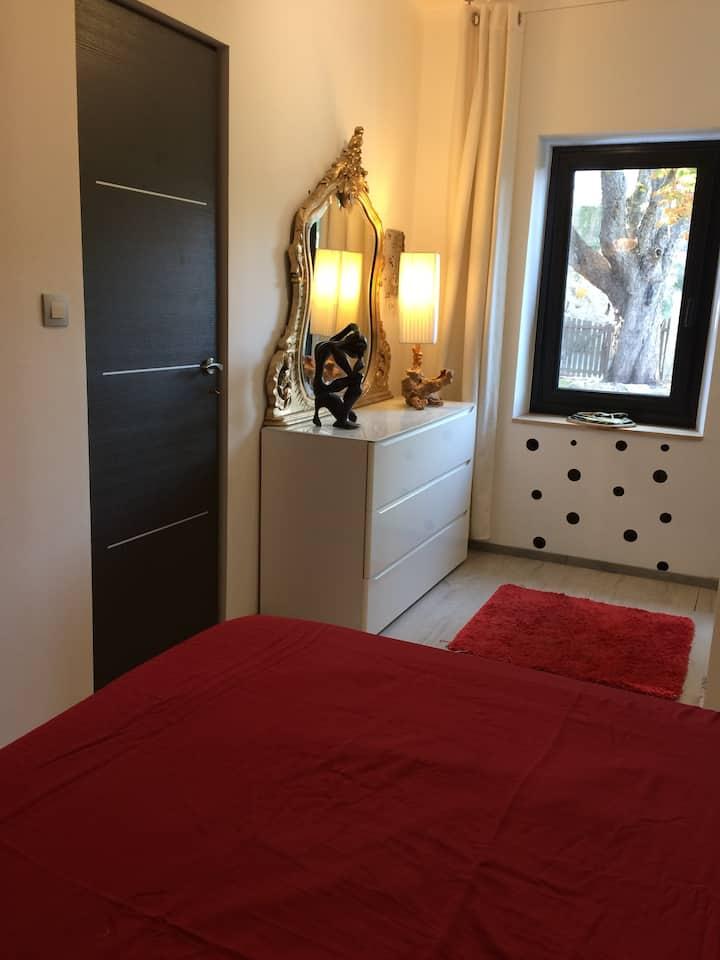 Chambre dans maison moderne village de Cabriès ❤️
