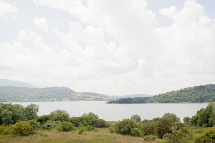 Natura e comfort : una casa sul Lago di Campotosto - Campotosto - Huis