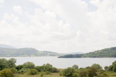 Natura e comfort : una casa sul Lago di Campotosto - Campotosto - 獨棟