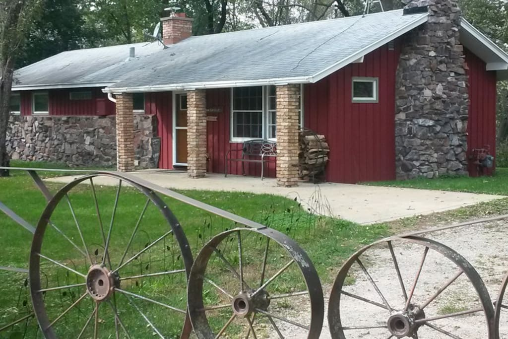 Gates to Redstone Cottage