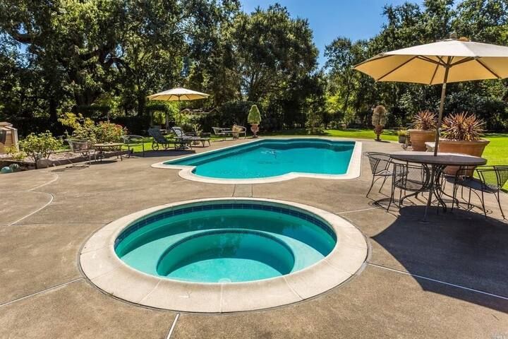 Sonoma Westside Retreat- 3 Bedroom, 3 Bath beautiful home on 1 acre with a pool, hot tub and outdoor kitchen.