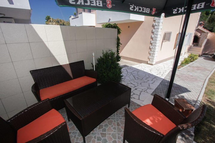 One bedroom apartment with terrace Rogoznica (A-2895-d)