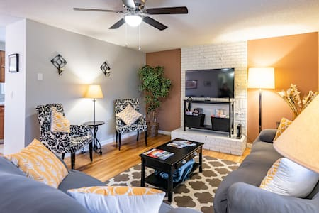 Sleeps 10 Close to Airport, Waterfront, WWU & WCC