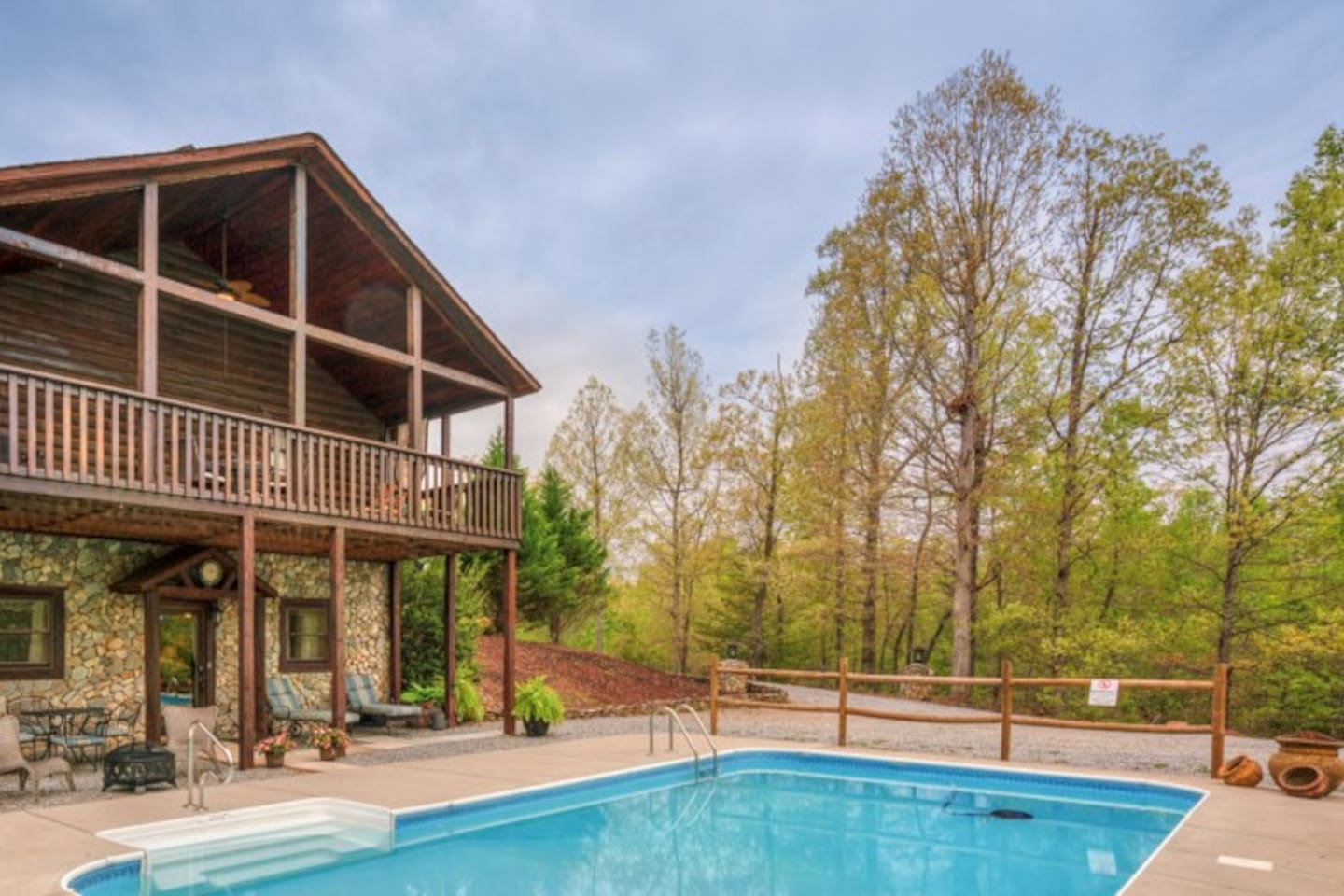 Secluded cabin on a 2.5 acre foothill