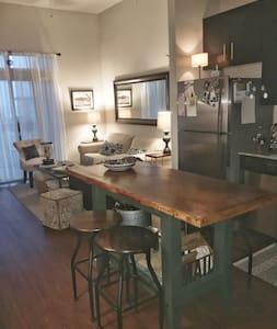 Cozy Space Minutes to Downtown! - Austin - Appartamento