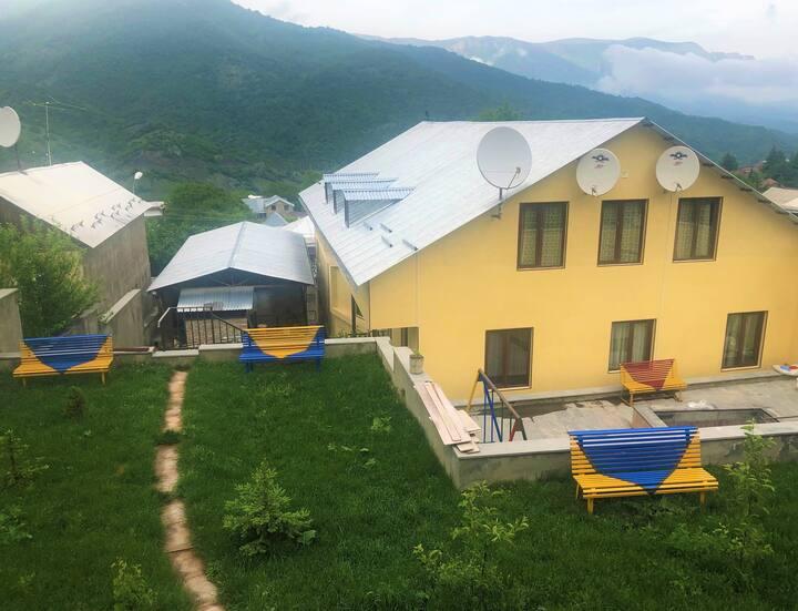 Check Inn Dilijan Guesthouse