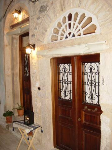 Traditional medieval stone house - Chios - Casa