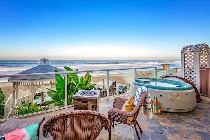 Essential Lodgers' Beachfront Rental C5103-23
