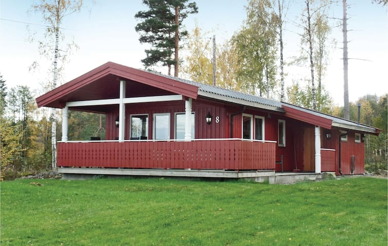 Holiday cottage with 3 bedrooms on 61 m² in Båtstø