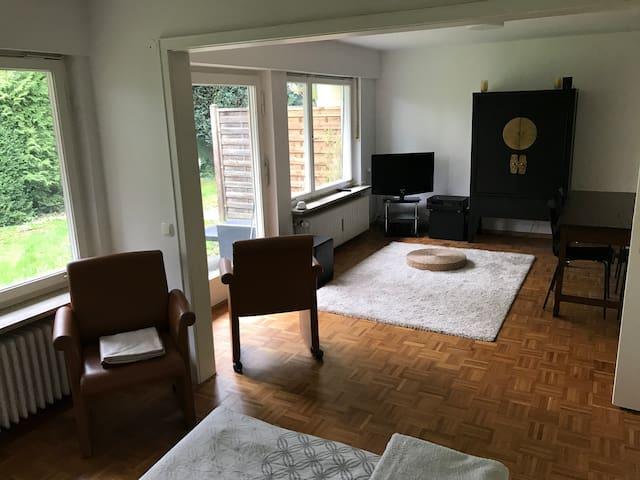 Appartement zu vermieten - Nahe S8 Englschalking - München - Bungalow