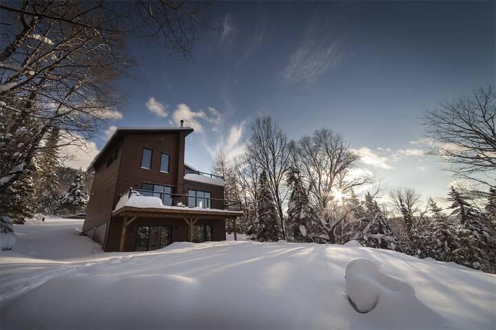 Lovely cottage near Stoneham& Jacques-Cartier Park
