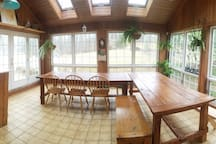 Huge banquet style tables. Sits many! Bright and sunny.