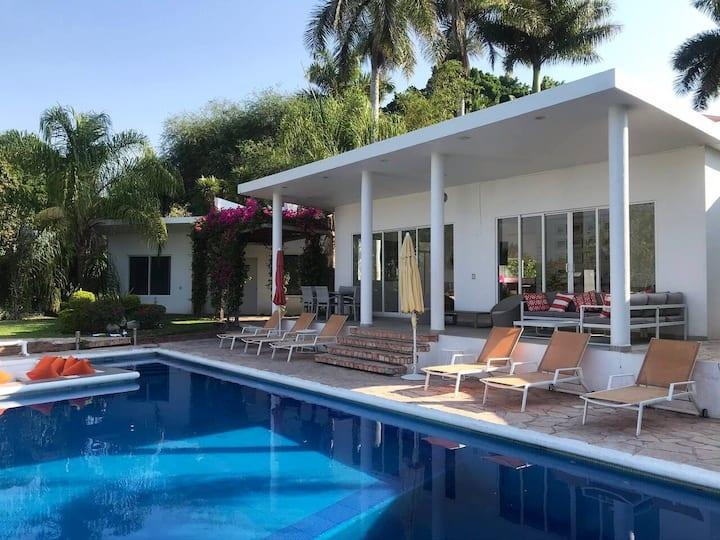 Villa Blanca Real  DISPONIBLE semana de Navidad
