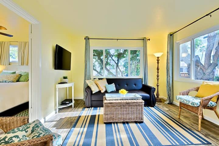 15% OFF MAR - Beach Cottage, Steps to Ocean, Private Deck + Shared Spa