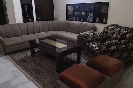 Luxury private room - Chandigarh - Bungalow