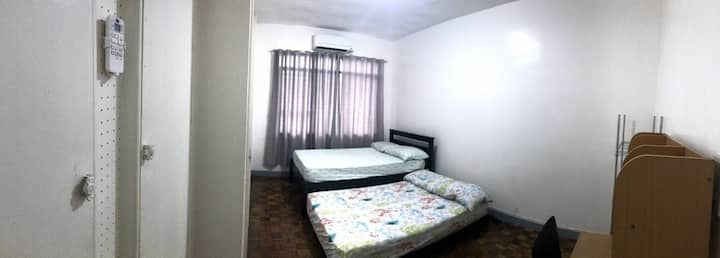 Room in Varsity Hills Subdivision, Loyola Heights