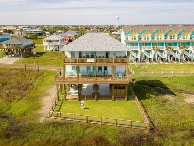 Bella Vita, Beachfront, Dog Friendly, Double Decks, Ocean View, Bolivar, Texas