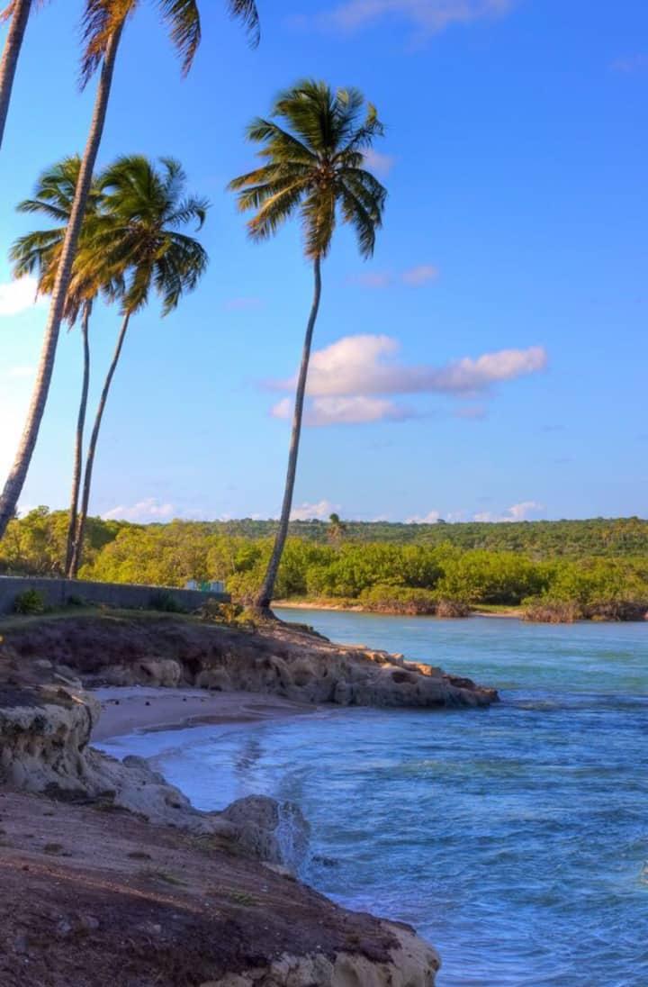 Casa na beira mar de Praia Bela pra alugar