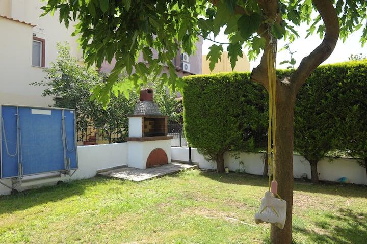 Cosy Garden House