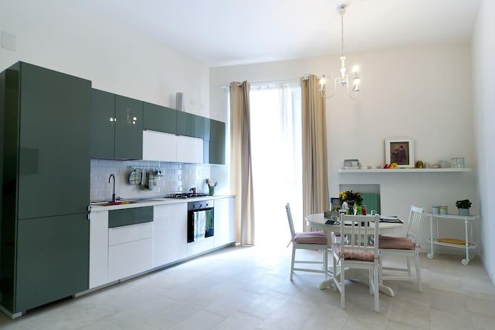 Casa Marcellina nel centro di Napoli - Napoli - House