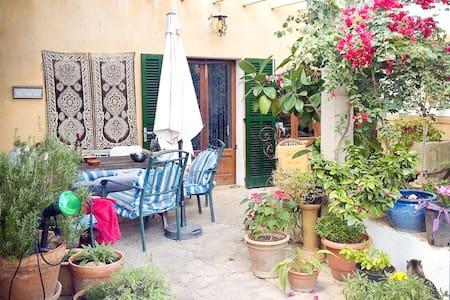Room A - Nice house in the centre of Maiorca - Lloret de Vistalegre - Hus