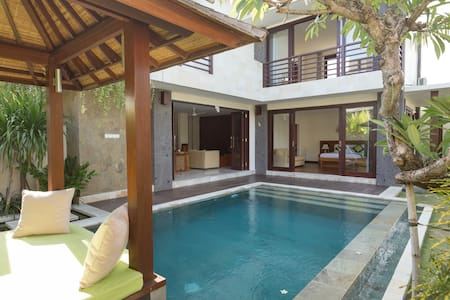 Bali Village Villa w/ rice paddies by Beach - North Kuta