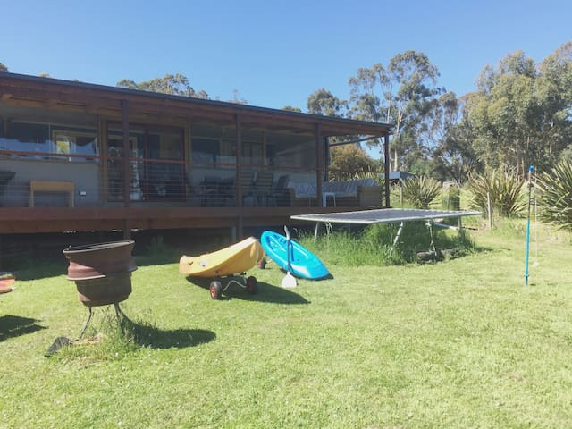Tidy shack,  a stones throw from the beach