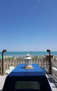 King Apartment directly on the beach - torino di sangro - Apartment