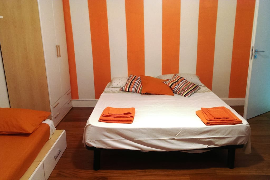 The Orange Room: the comfortable beds