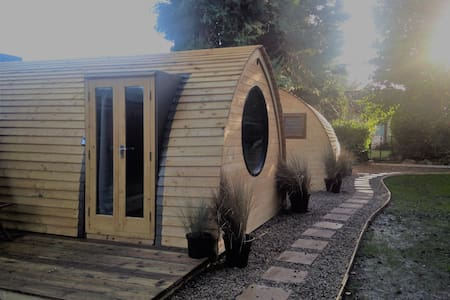 Cosy Lodge 2, Central Location (sleep up to three) - Churchtown - Natur-Lodge