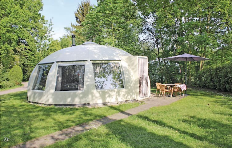 Holiday cottage with 2 bedrooms on 55 m² HNB006