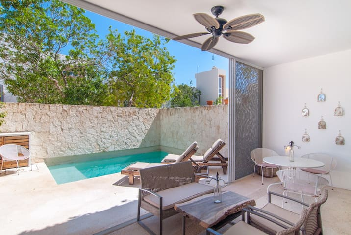 Garden Villa- PRIVATE POOL and Sun Terrace 2 BR