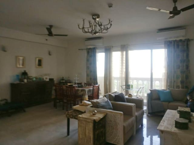 Peaceful Ac Bed Room+Kitchen +Balcony(ExpoMart)