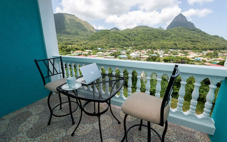 Sapphire Apartment 3. NEW! Close to EVERYTHING! - Soufriere - Wohnung