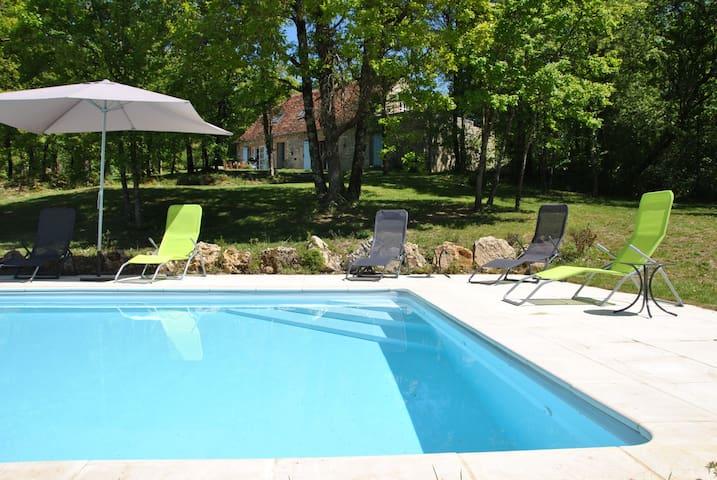 Grange 4*,Vallée de la Dordogne - Branceilles - Huis
