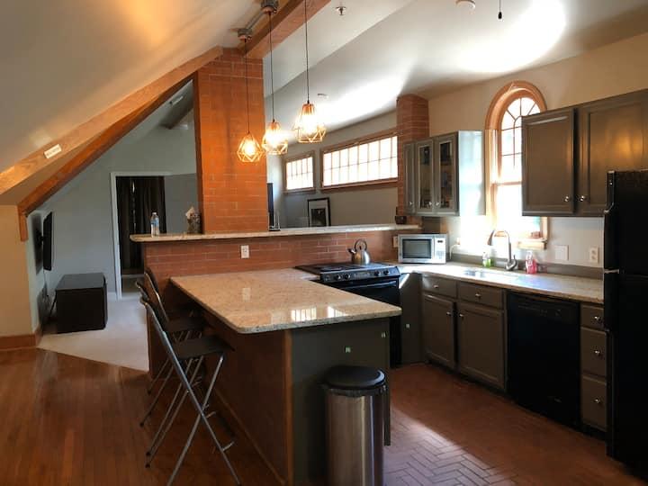 Private 2 bedroom apartment: Emory Atlanta, Unit E