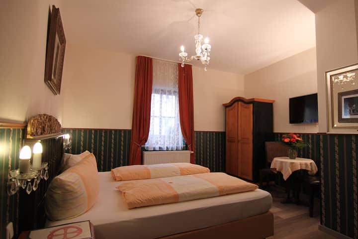 romantische Doppelzimmer im Kreuzerhof