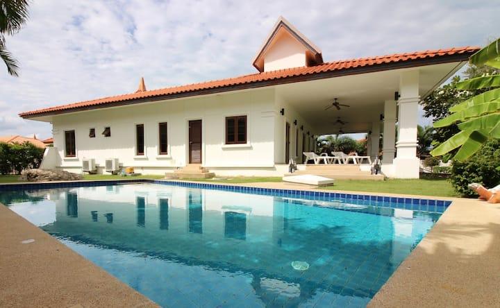 Stunning 4 Bedroom Pool Villa