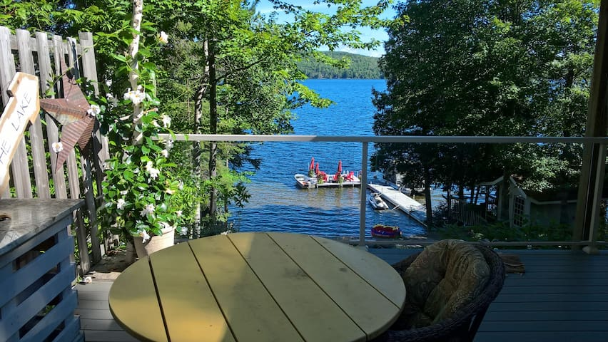 Waterfront loft Trout Lake. Snowmobilers welcome. - Corbeil - Pensió