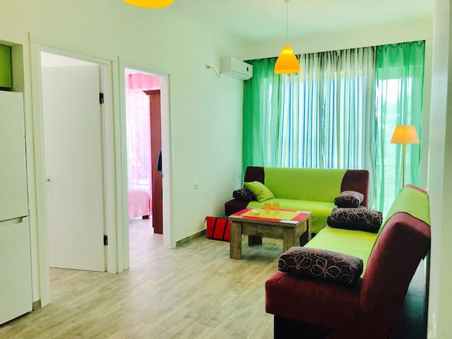 Квартира у моря под эвкалиптовой горой в Квариате