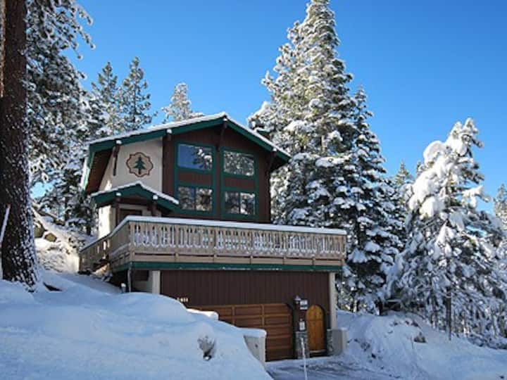Tahoe Cabin, Close to Heavenly, Pets Ok