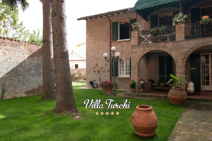 Villa Turchi, for your special holiday in Italy - Longiano - Villa