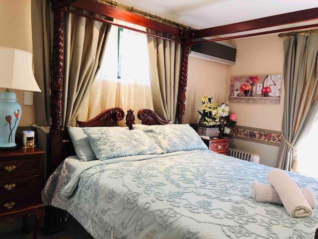 Room in dress circle location Toowoomba golf club