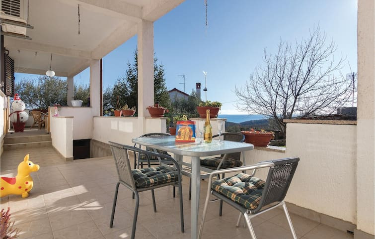 Holiday apartment with 1 bedroom on 50 m² in Peruski