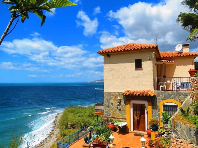 BALCÓN DEL DUENDE : Paraíso frente al mar