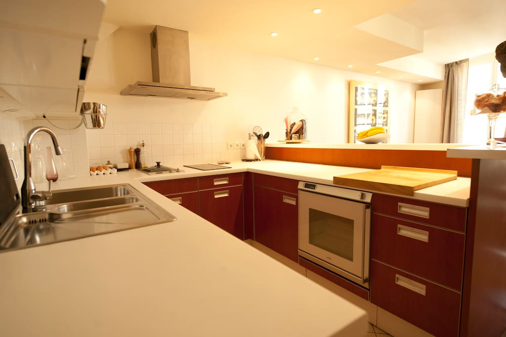 Tons of space to prep and cook, fully furnished and high end