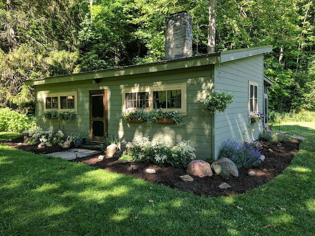 Hidden Valley Cabin Area Guidebook