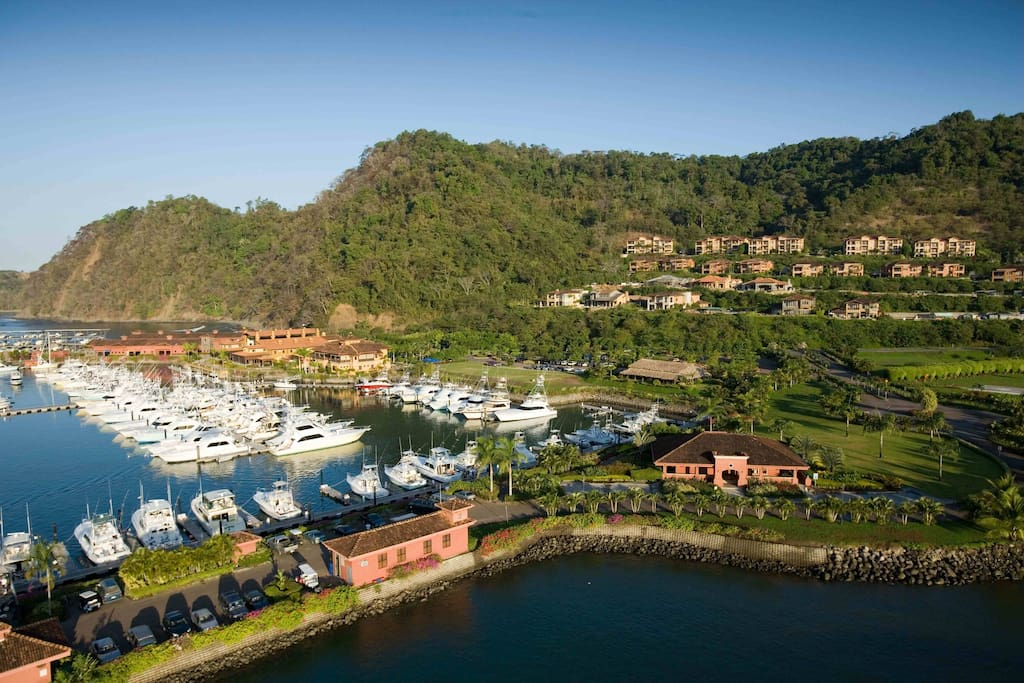 Los Sueños Marina - Restaurants, Bars, Shopping and Marina Village