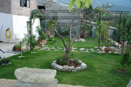 HOUSE SALLE 10MIN FROM TERMAL OF CARAMANICO -PE- - Salle
